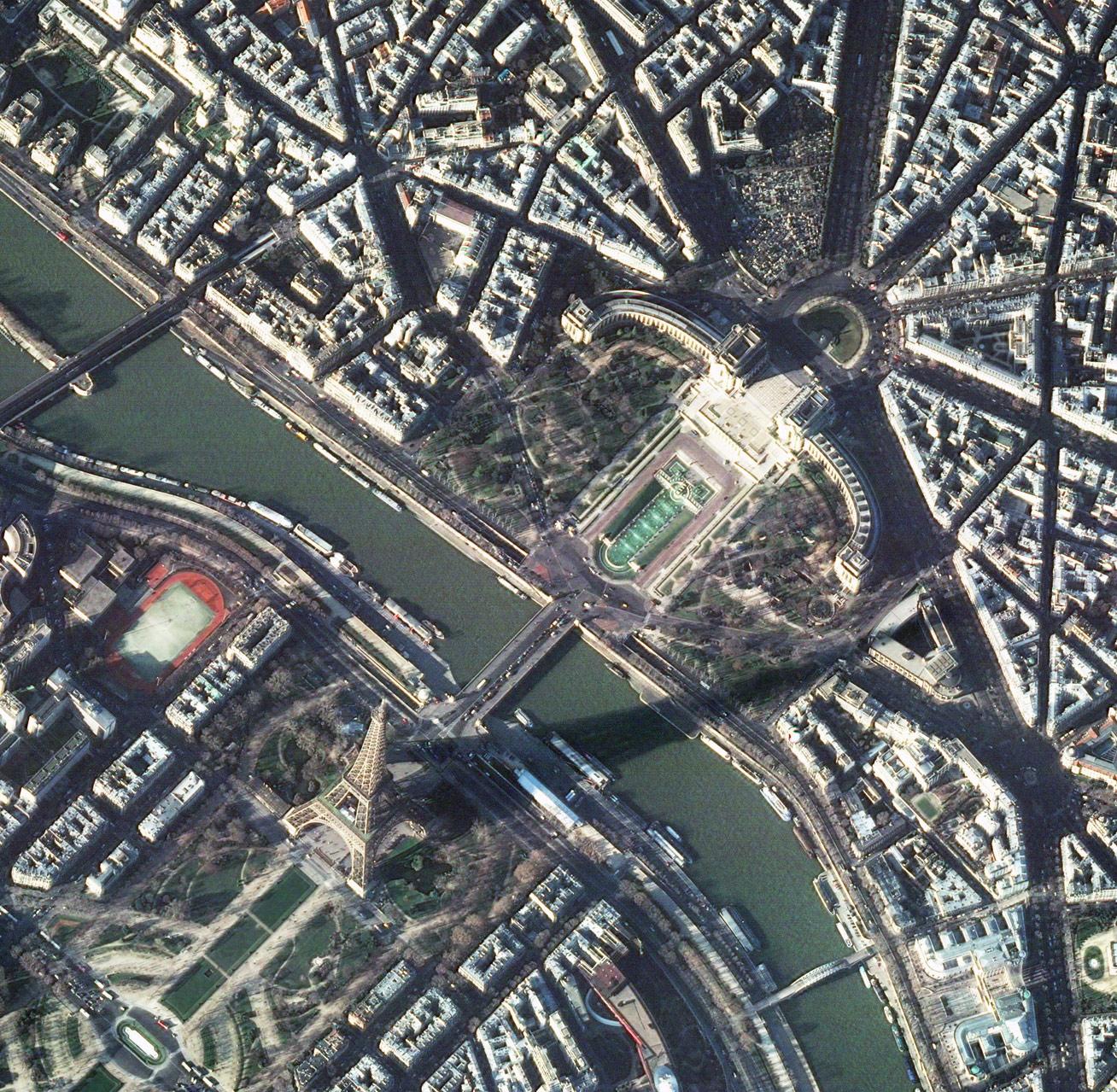 p11505_17dc12412b4bfb8f90e0c0f37e942936POSTER_Paris.jpg