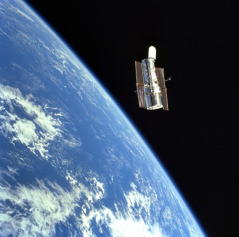 Le télescope Hubble. Crédits : NASA.